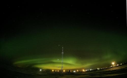 Mast under Aurora